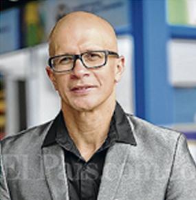 Dr. Jorge E. Bayter Marín