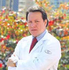 Dr. Raúl González